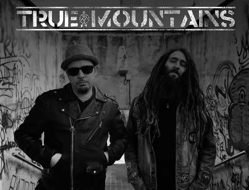 true-mountains-concierto-playa-club-coruña-800x612
